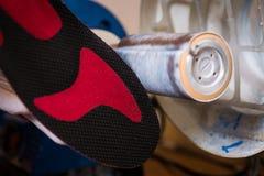 Il processo dei sottopiedi diversi ortopedici di fabbricazione per la gente con le malattie della gamba, piedi piatti Primo piano Fotografia Stock Libera da Diritti
