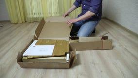 Il processo dell'assemblea della mobilia archivi video