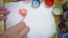 Il processo di mescolanza del mestichino delle pitture di gouache archivi video