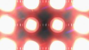 Il proiettore accende il lampeggiamento Il fascio della matrice delle luci accende la lampadina del LED archivi video