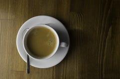il pronto a bere una tazza di caffè fotografia stock libera da diritti