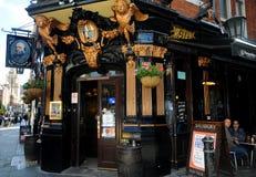 Il pub di Salisbury a Londra Fotografia Stock