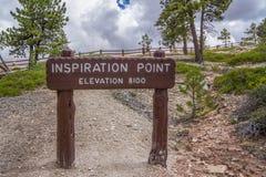Il punto di ispirazione firma dentro il parco nazionale del canyon del bryce immagini stock libere da diritti