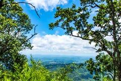 Il punto di vista delle montagne a Pha Sut Pen Din immagini stock libere da diritti