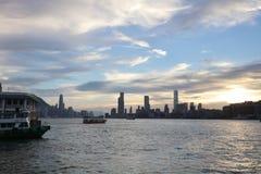 il punto di vista di Victoria Harbor al traghetto HK Fotografie Stock