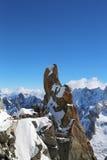 Il punto Rebuffat di osservazione e del picco alla montagna completa la stazione di Aiguille du Midi in alpi francesi Fotografie Stock Libere da Diritti