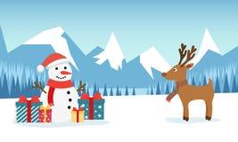 Il pupazzo di neve ed i cervi divertenti sui precedenti di una montagna dell'inverno abbelliscono con una foresta e un campo inne royalty illustrazione gratis