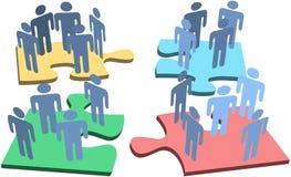 Il puzzle umano della gente del gruppo collega la soluzione Immagine Stock Libera da Diritti