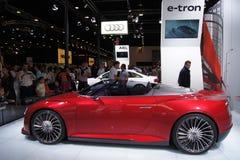 Il Qatar Motorshow 2011 - Audi E-tron Immagini Stock Libere da Diritti