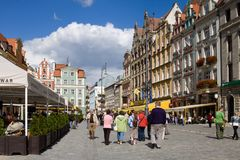 Il quadrato del mercato nella vecchia città di Wroclaw in Polonia Immagine Stock Libera da Diritti