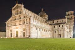 Il quadrato della cattedrale alla notte Pisa Toscana Italia Europa Fotografia Stock