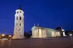 Il quadrato della cattedrale a Vilnius centrale Immagine Stock