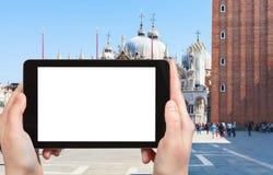 il quadrato di St Mark turistico dei photograps a Venezia Fotografia Stock