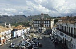 Il quadrato di Tiradentes in Ouro Preto, Brasile immagine stock