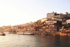 Il quarto di Ribeira a Oporto, Portogallo e rive Duoro Fotografia Stock