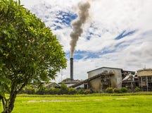 Il Queensland del nord Sugar Mill Fotografia Stock Libera da Diritti