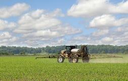 Il raccolto di spruzzatura del cereale Immagine Stock