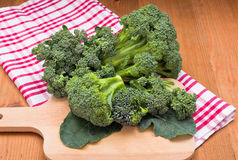 Il raccolto fresco del cavolo dei broccoli Immagini Stock Libere da Diritti