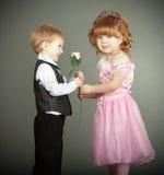 Il ragazzino e la ragazza Fotografie Stock Libere da Diritti