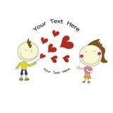 Il ragazzo di sorriso ha inviato i cuori rossi alla ragazza felice per il San Valentino con Fotografie Stock