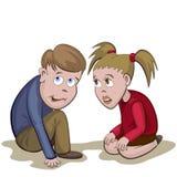 Il ragazzo e la ragazza si siedono e spaventato con qualcosa o qualcuno Immagine Stock