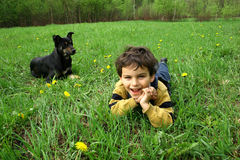 Il ragazzo ed il cane del ?. fotografia stock