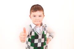 Il ragazzo mostra bene quello tutto Immagine Stock Libera da Diritti