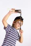 Il ragazzo spara uno slingshot Fotografia Stock Libera da Diritti
