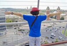 Il ragazzo sta guardando la scena in Spagna Fotografia Stock Libera da Diritti