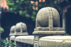 Il recinto di pietra con il onament rotondo Fotografia Stock Libera da Diritti