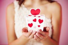 Il regalo del biglietto di S. Valentino Immagine Stock
