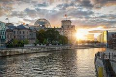 Il Reichstag, Parlamento, a Berlino, la Germania Fotografie Stock