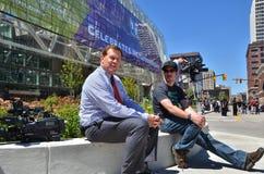 Il reporter locale di notizie a Detroit prende una rottura immagine stock libera da diritti