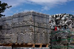 Il residuo di alluminio ha introdotto lo scrapyard Fotografie Stock Libere da Diritti