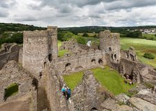Il resti del castello di Kidwelly Fotografie Stock Libere da Diritti