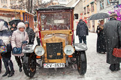 Il retro compleanno 04/01/2015 S di Conan Doyle del carattere del libro e dell'automobile Immagini Stock Libere da Diritti