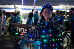 Il riciclaggio dell'uomo anziano celebra della festa della Mamma Immagini Stock Libere da Diritti