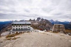 Il rifugio di Auronzo e Cadini di Misurina variano, alpi della dolomia Immagine Stock Libera da Diritti