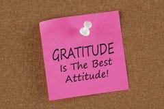 Il ringraziamento è il migliore atteggiamento scritto sopra ricorda il concetto della nota fotografia stock