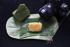 Il riso appiccicoso con crema cotta a vapore, avvolta in banana va, tailandese immagine stock libera da diritti