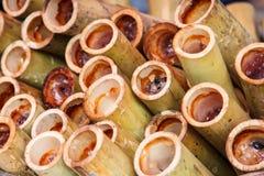Il riso glutinoso ha arrostito in giunti di bambù Fotografie Stock