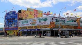 Il ristorante originale di Nathan s a Coney Island, New York. Immagine Stock