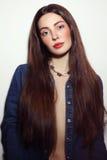 Il ritratto d'annata di stile di giovane bella ragazza con alla moda fa Fotografia Stock Libera da Diritti
