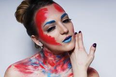 Il ritratto della ragazza del modello di moda con variopinto compone Fotografia Stock Libera da Diritti