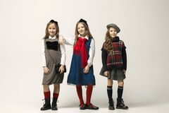 Il ritratto di modo di giovani belle ragazze teenager allo studio Fotografia Stock Libera da Diritti
