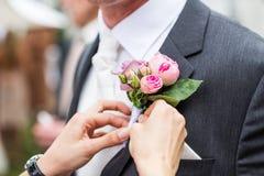 Il rivestimento dello sposo Fotografie Stock