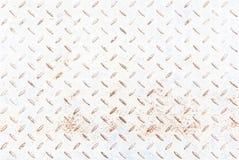 Il rombo del metallo bianco ha modellato il fondo e la struttura, con ruggine Immagini Stock