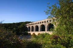 Il Rossiglione, Valchiusa, Francia - vista al Pont du Gard Aqueduct Immagini Stock
