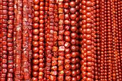 Il rosso borda le collane fotografia stock libera da diritti