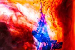 Il rosso ha colorato la stazione termale arancio di sotto acrilica del mare del cielo dell'astrazione del nero dell'universo di v immagine stock